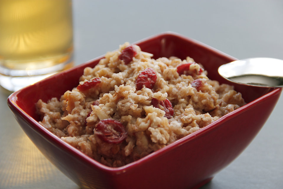 16038-a-red-bowl-of-oatmeal-pv